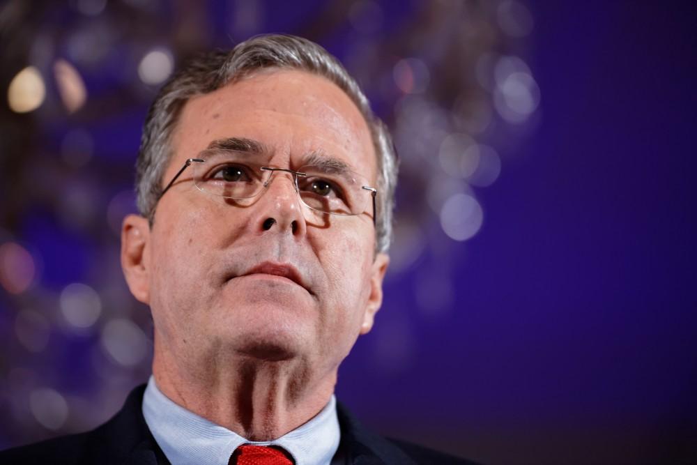 Governor_of_Florida_Jeb_Bush_at_NH_FITN_2016_by_Michael_Vadon_07-2