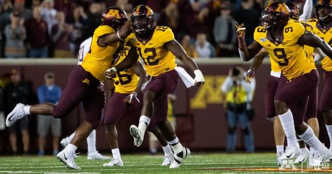 "7-""Oh"": Gopher football stays hot"